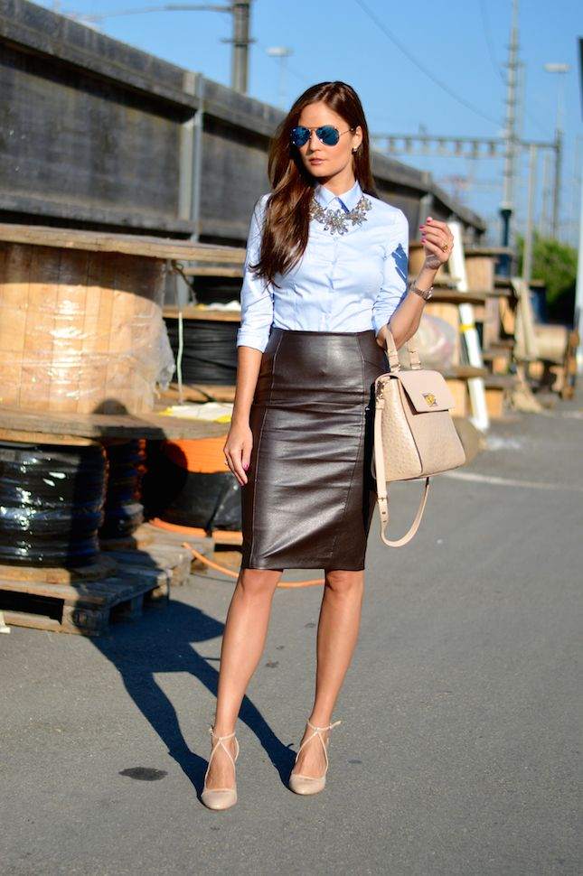 Chambray shirt, leather pencil skirt, nude pumps & neutral tote. Stiletto Meets Espresso.