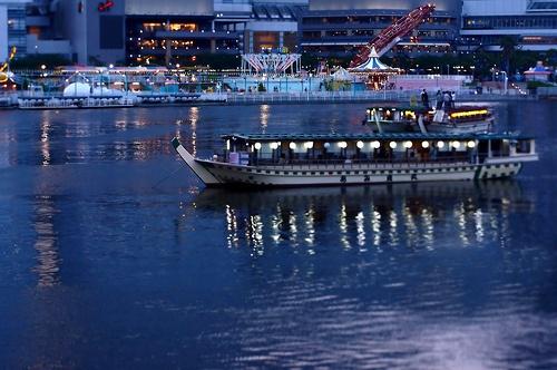 pleasure boat - 屋形船