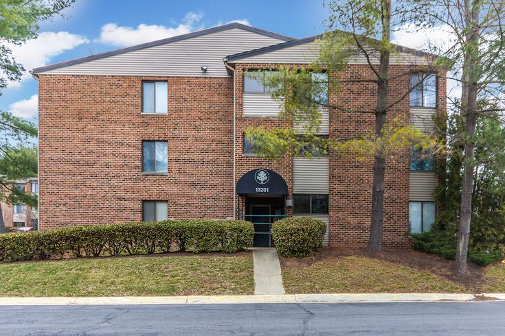 Rich Phillips of RE/MAX® Results just listed 13201 Chalet Place Unit 9-301 Germantown MD 20874 Beautifully updated top level unit with vaulted ceilings and skylights. 2 bedroom 2 bath but has a den that could be a 3rd bedroom or office. Just freshly painted, new flooring throughout, carpet in bedrooms and modern flooring in kitchen, new heat pump in 2016. Move in ready with washer/dryer. Reasonable condo fee includes outdoor pool and fitness center. No additional HOA fees. MC10164135