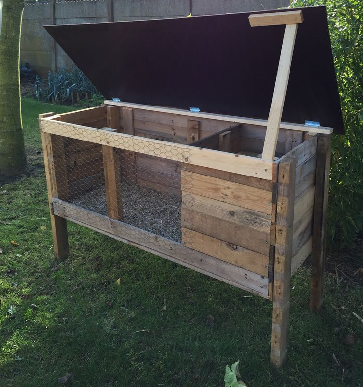 Zelfgemaak konijnenhok van palletten hok jasmijn pinterest konijnenhokken konijnen en jasmijn - Decoratie eetkamer hok ...
