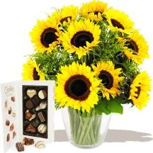 Summer Sunflowers & Chocolates A fabulous Sunflowers Bouquet #flowers