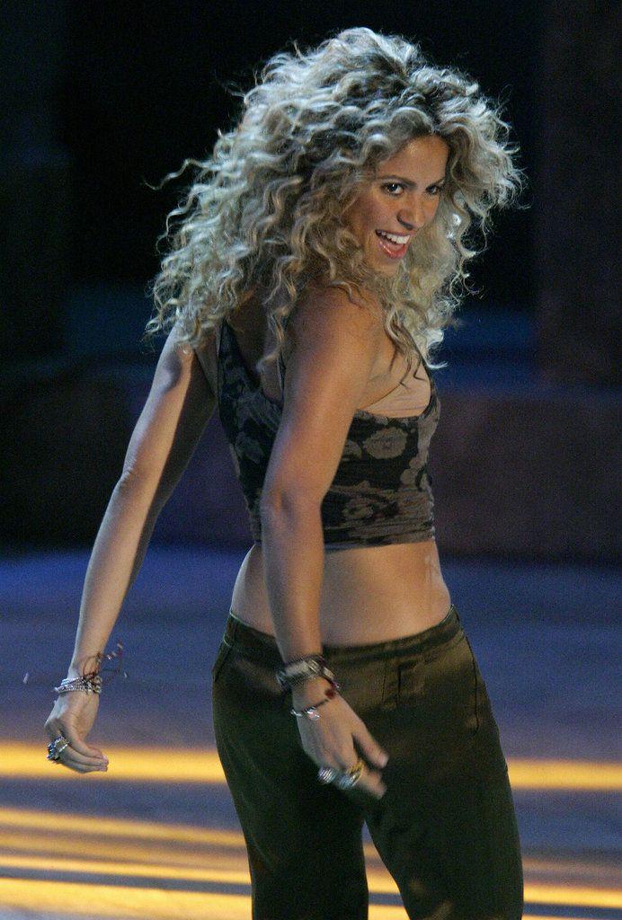 Hot Shakira Pictures   POPSUGAR Celebrity