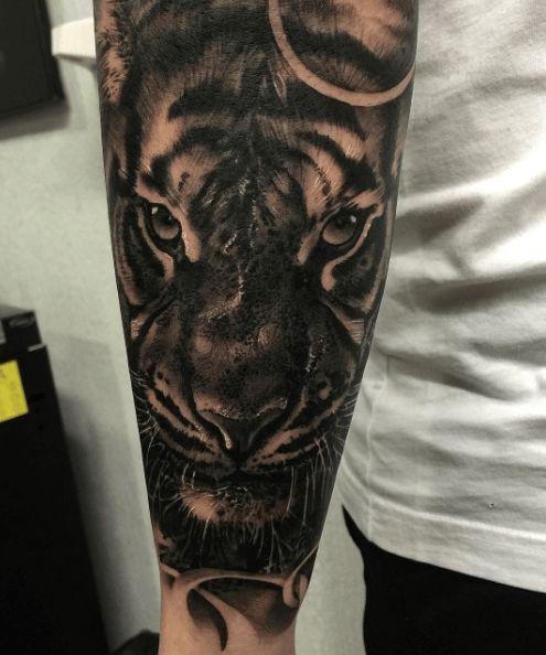 les 18 meilleures images du tableau tatouage tigre sur. Black Bedroom Furniture Sets. Home Design Ideas