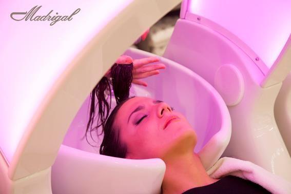 Descubra nuestros SILLONES RELAX DE MASAJE SHIATSU. Un nuevo concepto de relajación, para que disfrute mientras le cuidamos.   Disponible en nuestros salones: C.C. CASTELLANA 200, C.C. TRES AGUAS (Alcorcón), DREAMS-Palacio de Hielo, SERRANO, MORALEJA GREEN.  *Añadimos al lavado una secuencia de masaje manual, con puntos de digito-presión en cabeza, cuello y hombros, y hacemos todo esto manteniendo nuestro precio habitual, sin recargos.