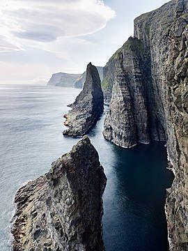 Jonathan Andrew, Sea stacks #1, Faroe Islands, 2012 / 2014 © www.lumas.de/ #Lumas