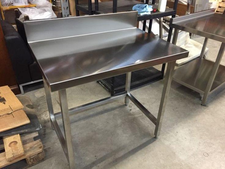 Hallo sie können hier einen Edelstahl Arbeitstisch neu in geschweißter Qualität erwerben der Tisch...,Edelstahl Arbeitstisch 1m Gastro Gastronomie Bar Küche NEU in Frankfurt (Main) - Fechenheim