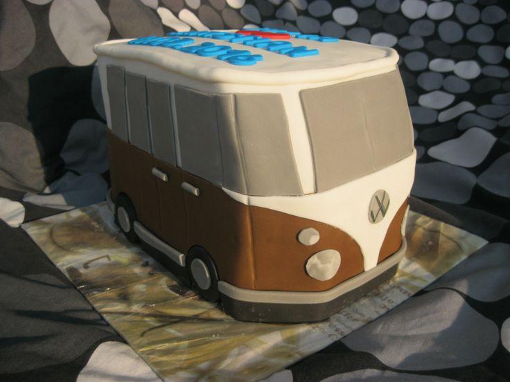 VW-Bus Zitronen-Buttermilch-Wunderkuchen mit Erdbeercreme