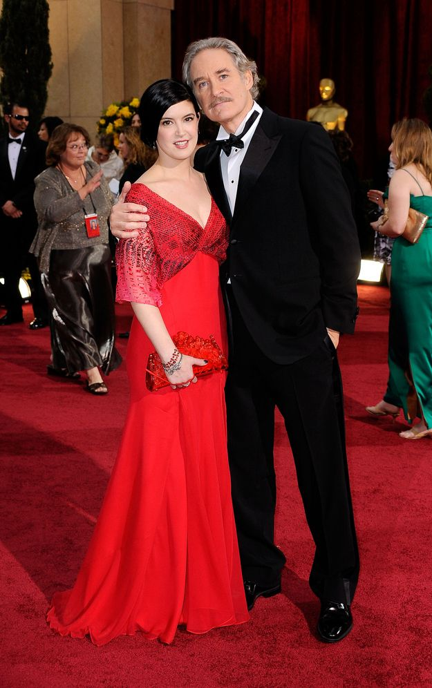 Best 25 phoebe cates ideas on pinterest seventeen for Phoebe cates and kevin kline wedding photos