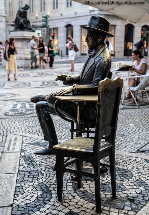 Poet Fernando Pessoa sculpture# Chiado, Lisbon#Portugal