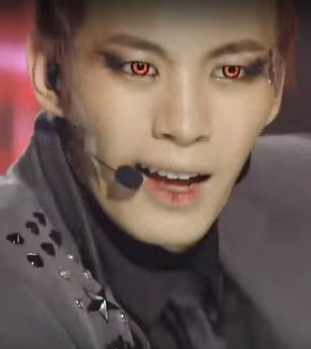 """Hongbin's red eye - taken from a live performance of """"On and on"""""""