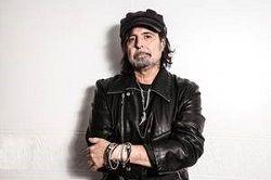 Бывший гитарист Motörhead Фил Кэмпбелл (Phil Campbell) пролил свет на содержание своего сольного альбома. По его словам, он пригласил для участия в записи некоторых известных музыкантов. «Ди Снайдер из Twisted Sister исполнит некоторые вокальные партии, Бенджи Уэбб из Skinred тоже з