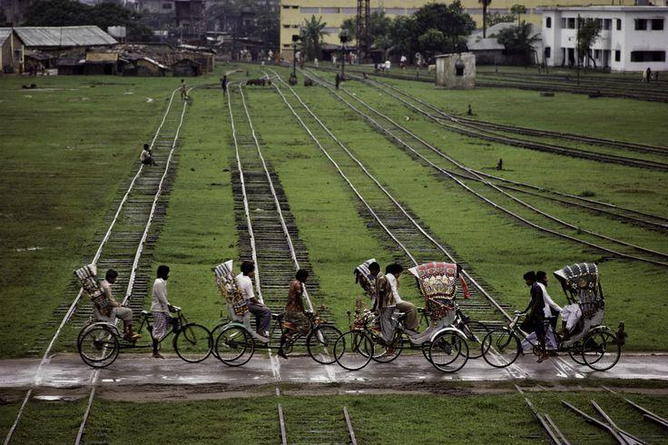 The World's RideBeautiful Bangladesh, Bicycles, Bangladeshi Pride, Curries Bangladesh, Thanksbangladesh Stev Mccurry, Mc Curries, Steve Mccurry, Mccurry Awesome, Thanksbangladeshstev Mccurry