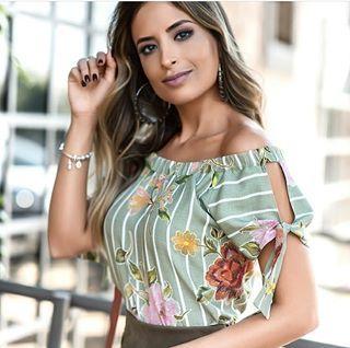 Blusa Kelcy (156,00)  Compre pelo site  www.santasantina.com.br ✔Pagamento via depósito bancário ✔ Cartões de crédito via pagseguro. Parcelamos em até 3x sem juros. ✔ Enviamos para todo o Brasil via sedex ou PAC. #lojasantasantina #trend #moda #estilo #instafashion #santasantina #arraso #vestidadesantina #fashion #moda #modaparamulheres #modaparameninas #ootd #dodia #vendasonline #americana #blusafeminina #blusa #fashionista #awesome #outonoinverno2018 #winter #newcolection