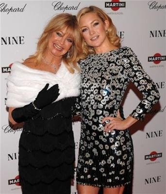 """Goldie Hawn and Kate Hudson. Beautiful runs in the family. Love Kate in """"Almost Famous"""" on of my all time favorite movies."""