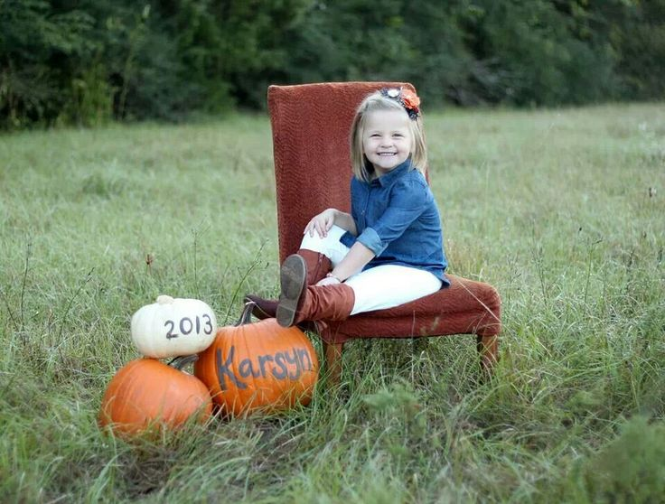 Fall toddler photography Chair in a field, love it!