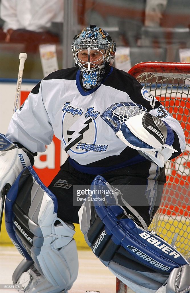 goaltender-nikolai-khabibulin-of-the-tampa-bay-lightning-warms-up-to-picture-id50834178 (667×1024)