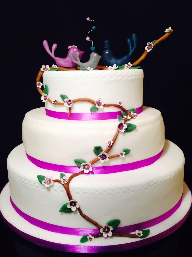Violet wedding cake with birds