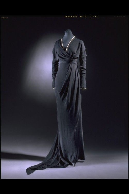 Absolutely stunning 1910-1912 Half mourning dress by Lucile (Victoria and Albert Museum) | I'd seen this dress before and didn't realize it was a mourning dress. Looks so chic!