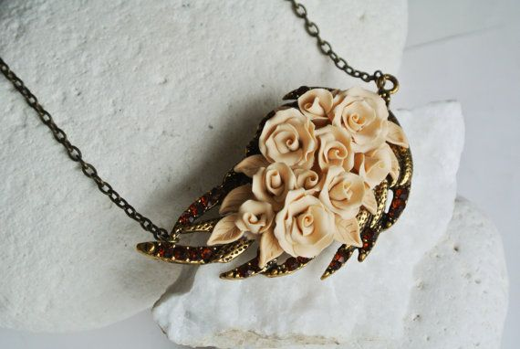 Champagne statement necklace Rose necklace, polymer clay jewelry by LandOfJewellery