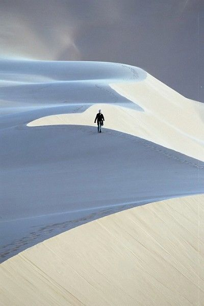 thestylishgypsy: Alone (Lybia) by ronniedankelman
