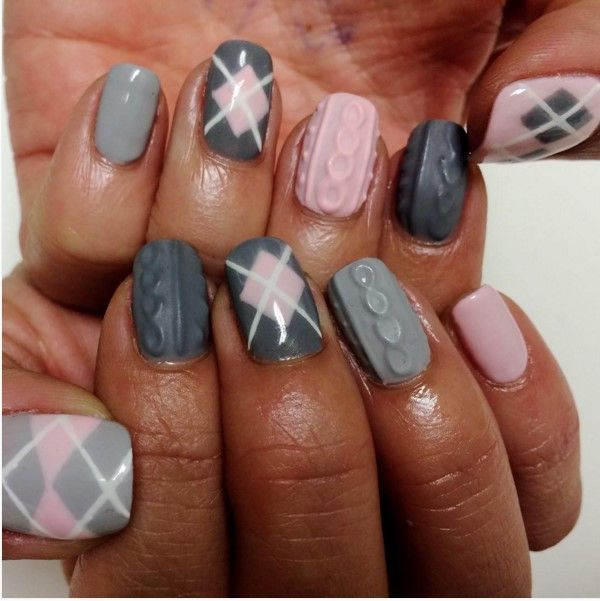 Grey and pink cozy sweater nails
