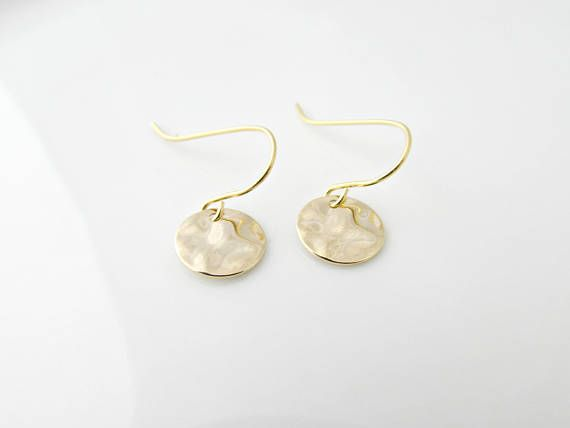 Gold Disc Earrings, Hammered Disc Earrings, Simple Gold Earrings, UK Seller, Bridesmaid Gifts, Bridesmaid Earrings, Wedding Jewellery Small hammered gold plated discs and gold plated earring wires make up these simple and cute earrings. They hang at 1in in length.