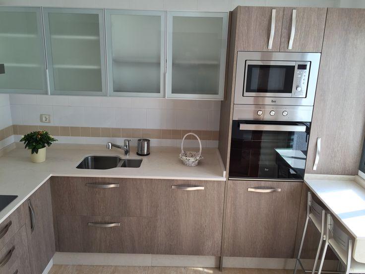 cocina de muebles laminados y encimera dekton fabricacin e instalacin por nuestros tcnicos