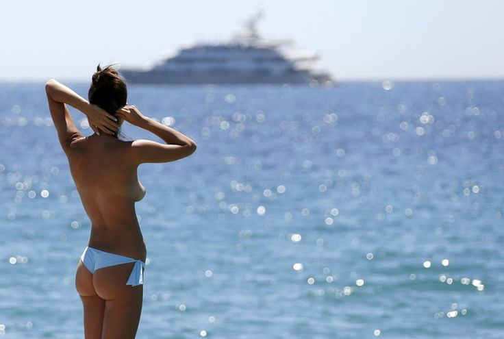 6 Reasons Nude Beaches Are Great For Women (No, Really)