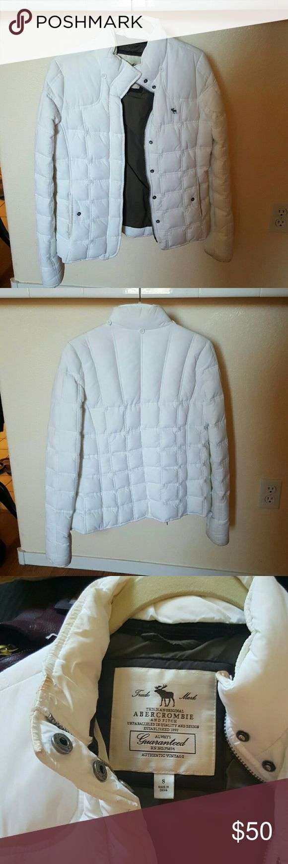Jacket Abercrombie and Fitch White puffy Jacket, worn a few times, light debris on the pockets Abercrombie & Fitch Jackets & Coats Puffers