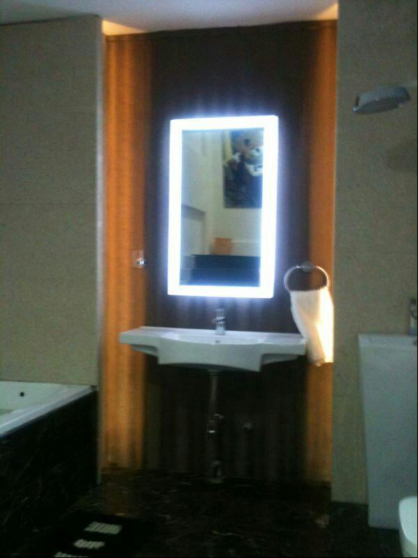 GL009, Deffoger Mirror