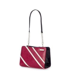 Cole Miche Shell -- Racecar red and white, this Miche petite shell has a sporty style. #artisthandbags