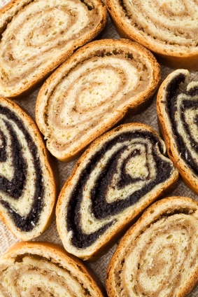 Hungarian poppy seed & walnut rolls..can't wait to try these! Now I just need a reason to make them :)