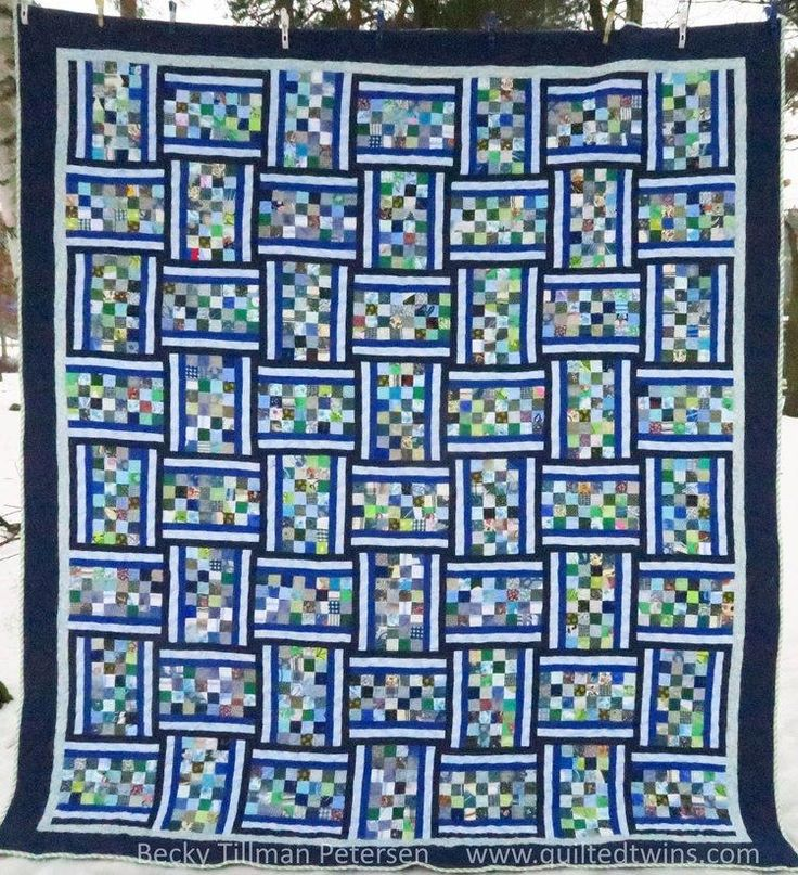 Banded Checkerboard Quilt Pattern | This pretty bed quilt pattern is great for charm squares or scrap fabric!