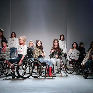Magnesium Wheels on Fashionweek Amsterdam, rocking the catwalk with @sues_warriors #throwback 📷 by @teampeterstigter #magnesiumwheels #wheelchair #wheelchairgirl #modeling @SUEswarriors