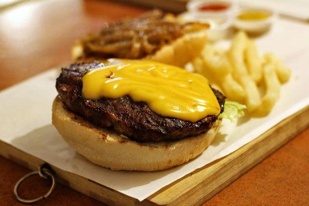 Beef Burger: Juicy J's Angus Burger