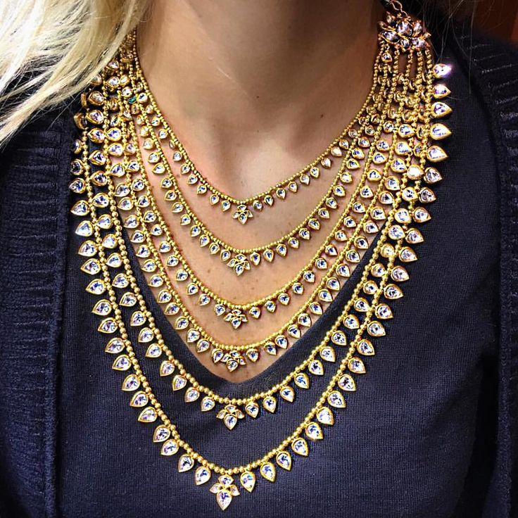6 strand necklace (modified from the traditional 7 strand or satlada haar) made of yellow gold and rose cut diamonds.