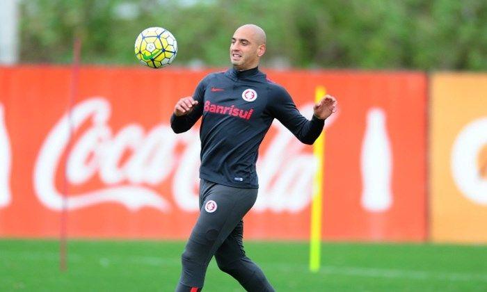 Na manhã desta quinta-feira o atacante argentino Ariel foi anunciado como novo reforço do Barcelona de Guayaquil, do Equador.