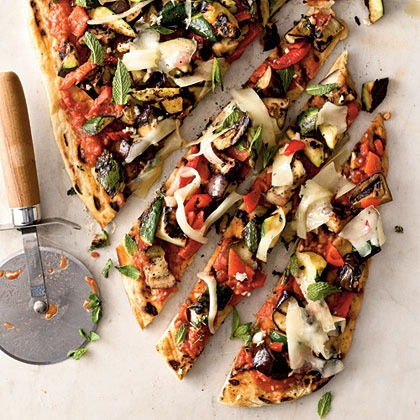 delicious homemade grilled vegetarian pizza