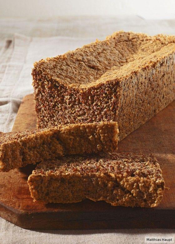 Brot ohne Carb? Leinsaat, Eier und Öl machen's möglich! Diese tollen Scheibe…
