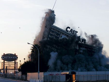Castaways Las Vegas implosion January 11, 2006. The property originally opened as the Showboat in 1954, taking advantage of a Mississippi riverboat theme. Showboat received numerous upgrades over the years, including bowling lanes in 1959 and several hotel towers. 1998 bought by Harrah's but sold 1990 and renamed The Castaways.
