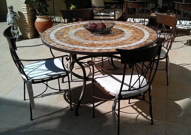 Mesa de mosaico muebles de jardin y jardines pinterest for Mesa mosaico jardin