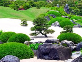 Beautiful-gardens-in-Japan-14