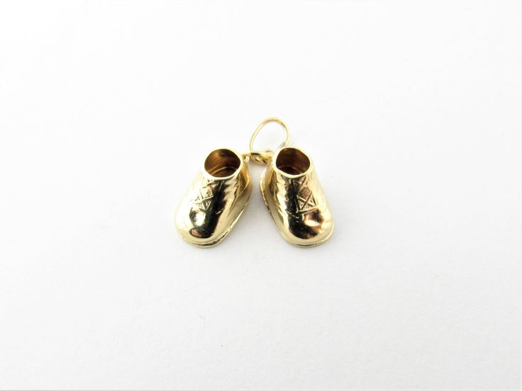 Vintage 14 Karat Yellow Gold Baby Shoes Charm #2350