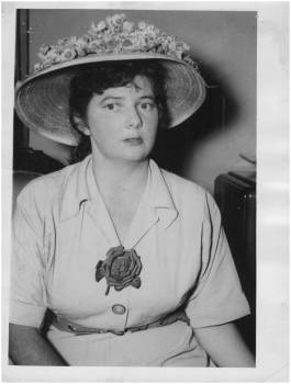 Australian artist and goddess of fruit and flowers Margaret Olley