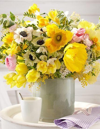 Flowerpower in der Vase – unser Strauß sprüht vor Energie und Lebenslust.