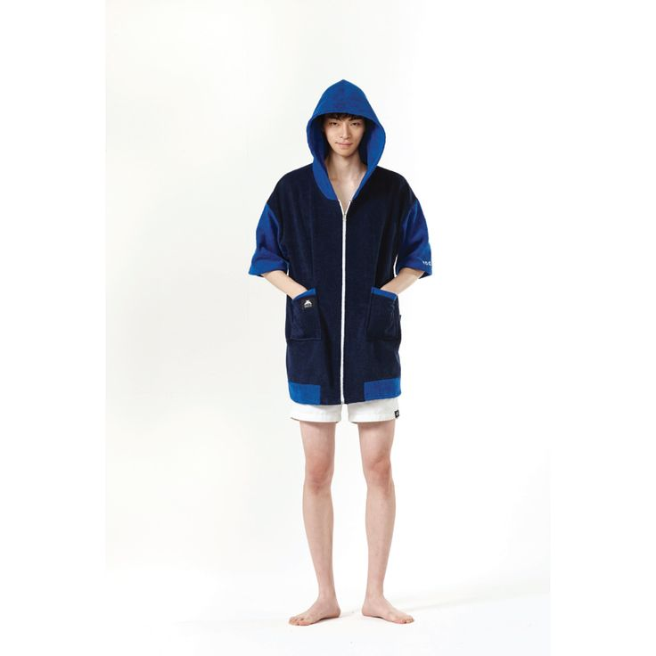 Tool Chip BLUETANG GECO with holiday campaign  TOOL CHIP is the best way to enjoy this summer holiday.  surfers and campers, play various leisure activities have fun with Geco!  #geco #toolchip #robe #robeitem #beachwear #beach_item #unisex #showergown #summerfahsion #home_wear #cuplelook #familylook #night_wear #제코 #툴칩 #이벤트 #여름준비 #휴가 #캠핑 #서핑 #수영 #어린이 #summer #camping #surfing #swim #kids #fahsion