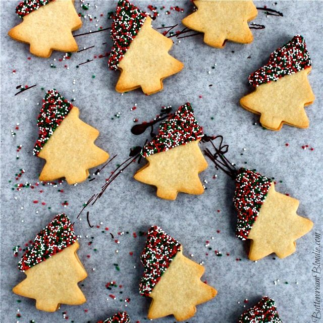 Spiked Mint Milanos - Homemade mint milanos spiked with Baileys! Includes how-to video. | ButtercreamBlondie.com #Christmas #cookies