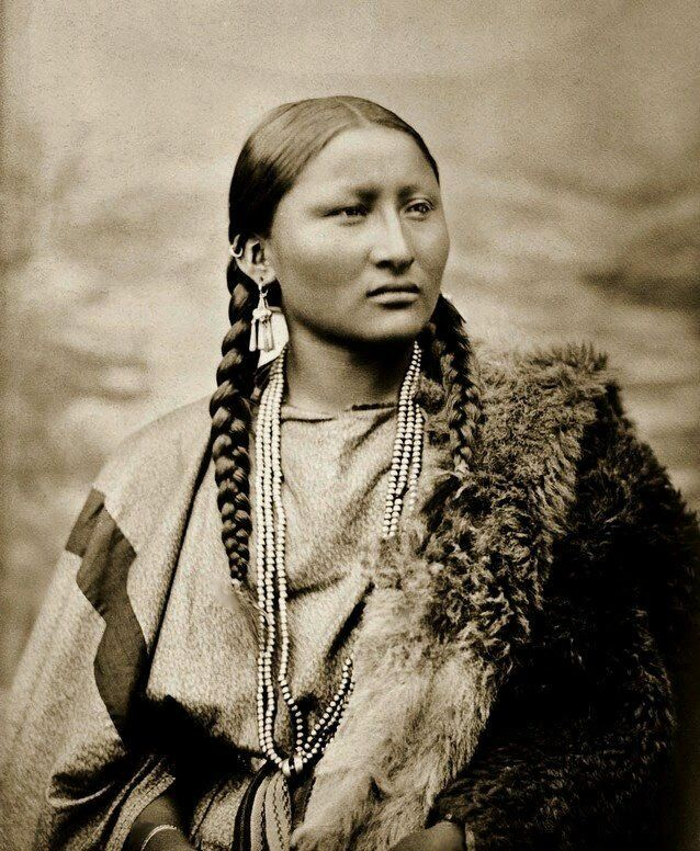 A Native American Map%0A Pretty Nose  a Cheyenne woman  Photographed in      at Fort Keogh  Montana  by L
