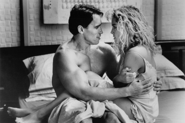 Total Recall - Arnold Schwarzenegger and Sharon Stone
