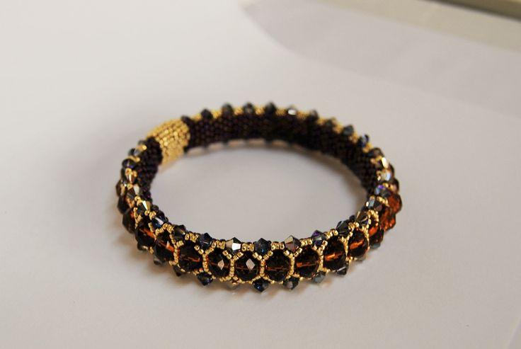 Modyfikowana Honeycomb Bangle Zapytaj o dostępność na zamówienie w sklepie www.korallove.com